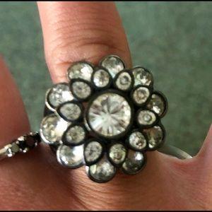 SWAROVSKI flower ring 🌸 size 7